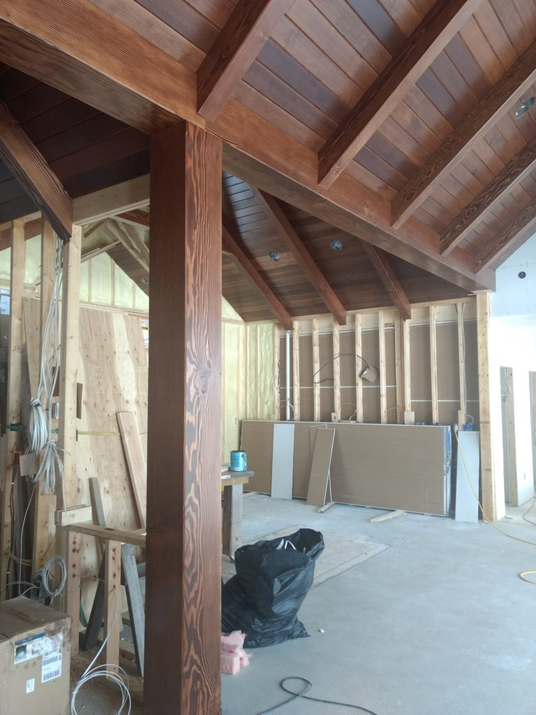 Kitchen timber post and beams